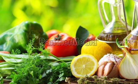 oel oliven und gewuerzen