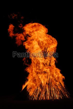 easter bonfire solstice fire customs