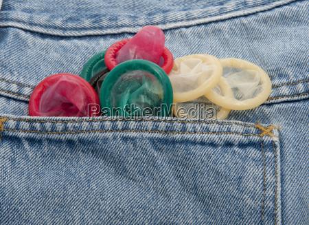 kondome in verschiedenen farben