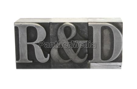 r und d in alten metall