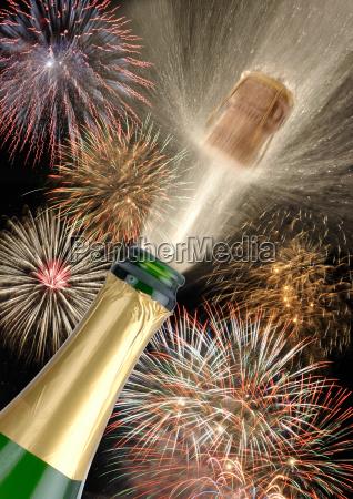 feuerwerk neujahr sekt korken fest