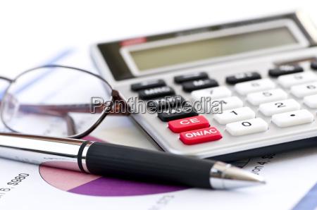 steuerrechnerfeder und glaeser