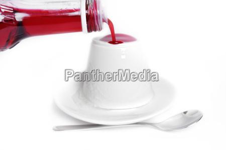 yogurt with syrup
