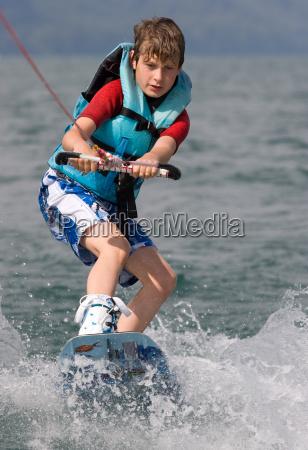 kind auf wakeboard