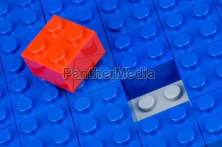 nodding blocks red and blue
