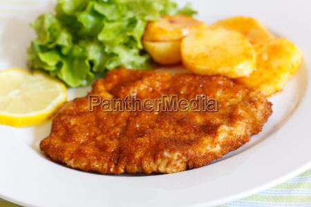 schnitzel paniert mit bratkartoffeln un