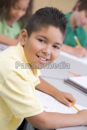 student in der klasse notizen selektiven