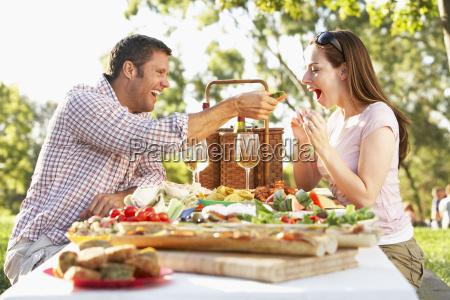 ein paar essen al fresco essen