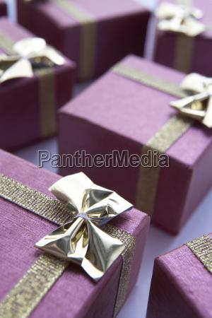 gruppe gift wrapped weihnachtsgeschenke