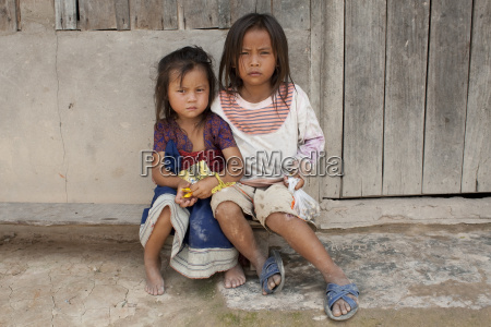 kind von asien in laos
