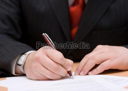 geschäftsmann, unterzeichnung, der, vereinbarung - 2410499