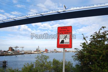 no trespassing the bridge