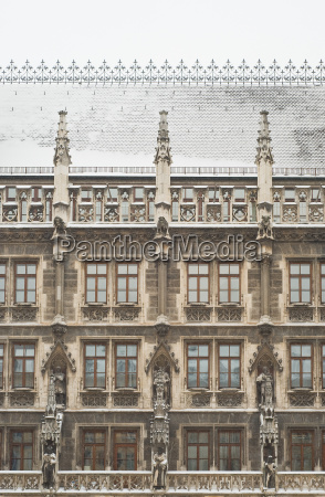 snowy munich city hall