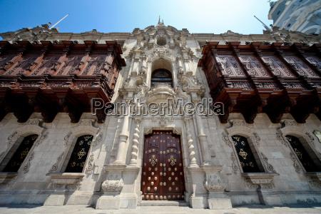magnificent building in lima peru