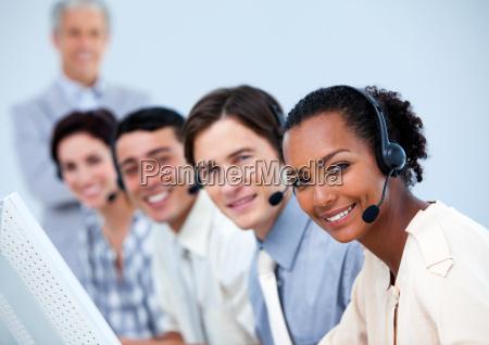 charmante kundendienstmitarbeiter