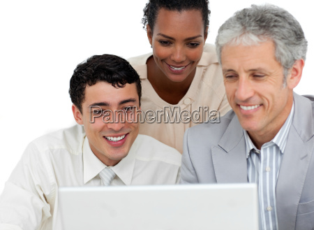 frau buero laptop notebook computer lachen