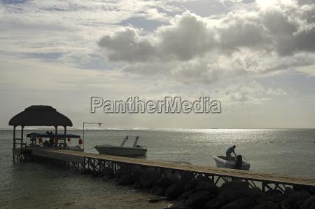 bootsanlegstelle an der suedkueste von mauritius