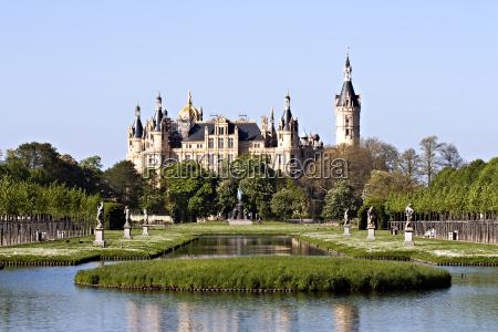 schwerin castle in spring