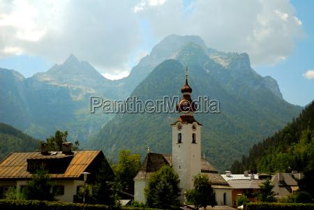torre igreja montanhas alpes aldeia montanha