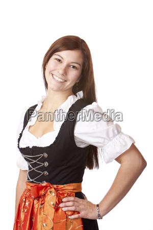 huebsche bayerischen frau im dirndl