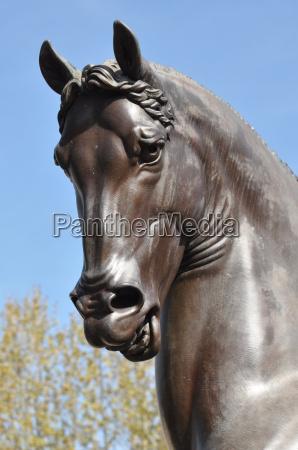 pferdeskulptur von da vinci italien
