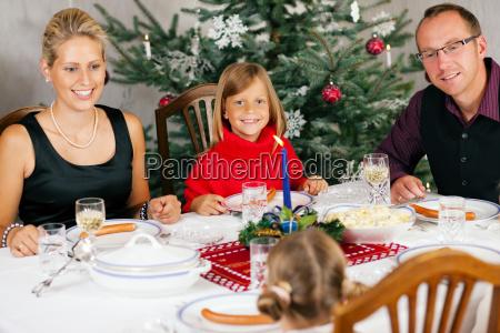 christmas dinner in family