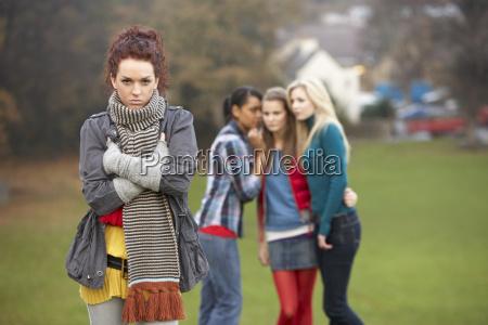 umgekippte jugendliche mit dem freund tratsch