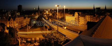 halle saale franckeplatz bei nacht