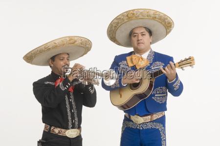 portraet von mariachi duo