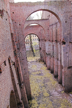 ruins of ancient buildings on the