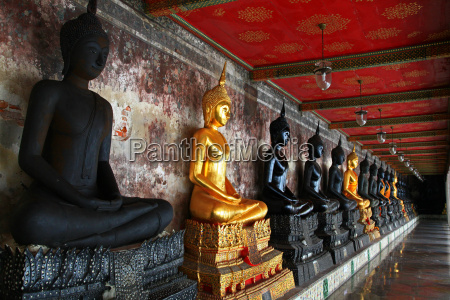 buddha statuen suthat tempel bangkok