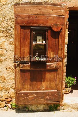 wooden door of a house monteriggioni