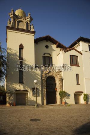 fassade eines gebaeudes mexican culture institute