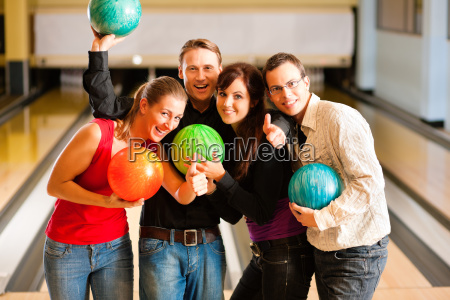 freunde bowlen