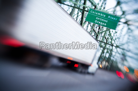 truck cargo lensbaby shallow focus