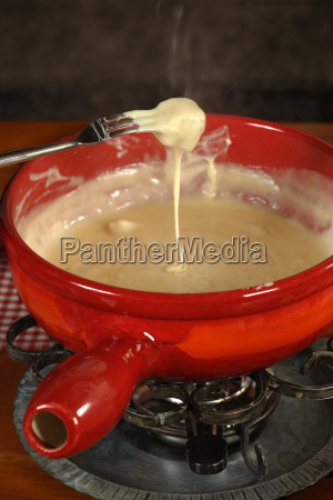 swiss traditional fondue