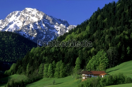 haus in den bergen bayern deutschland