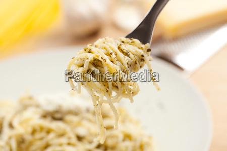 essen nahrungsmittel lebensmittel nahrung kueche spagetti