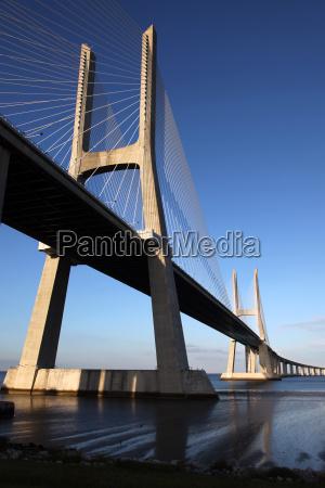 ponte vasco da gama in lissabon