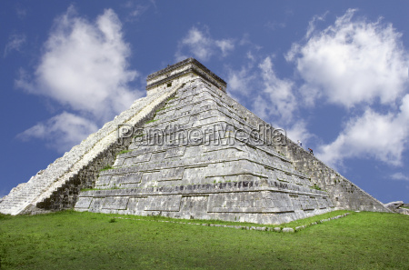 chichen itza maya pyramide