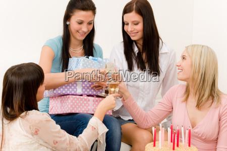 frau feiern feiernd feiert kerze party