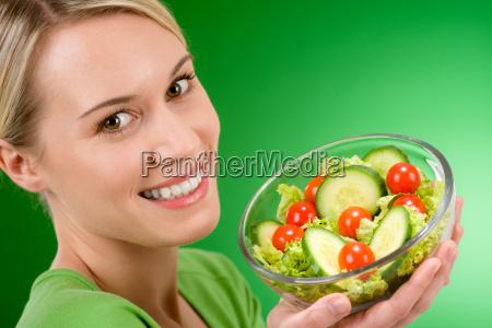 frau essen nahrungsmittel lebensmittel nahrung lebensstil