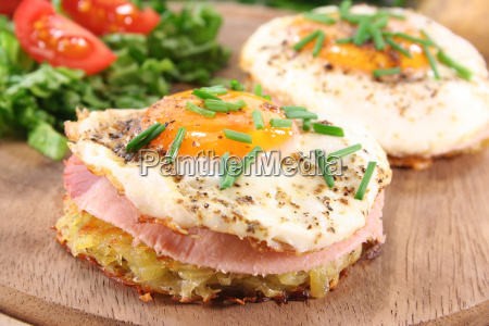 roesti with fried egg