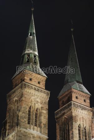 sebalduskirche nuremberg at night