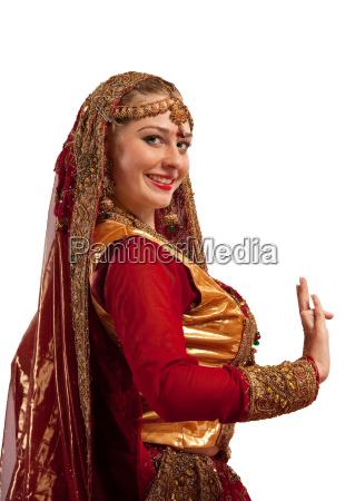 beauty maedchen in orientalischem kostuem mit