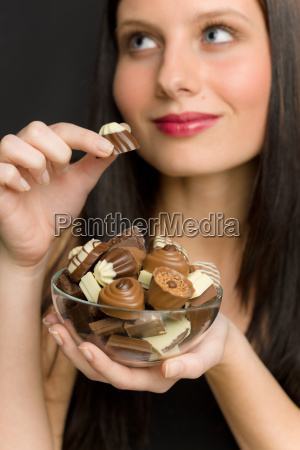schokolade portraet der jungen frau