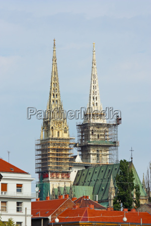 towers of zagreb cathedral