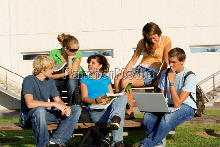 studiengruppe im freien