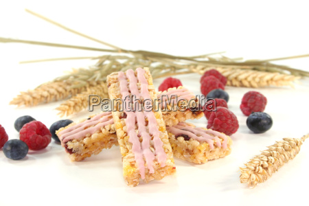 wild berries muesli bar