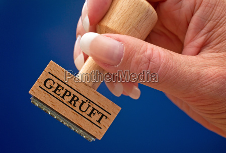 tested stempel mit hand